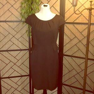 Sz 8P Tahari BLk Pinstripe sheath dress zips back